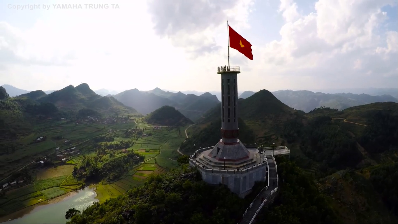 lung-cu-flag-ha-giang-vietnam-charm-travel